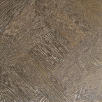 Pavimento geometrico Bardolino. Modulo heritage intarsiato a mano.